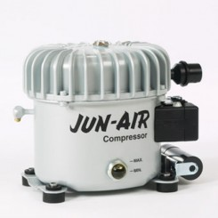 Jun Air Model 6 ny motor